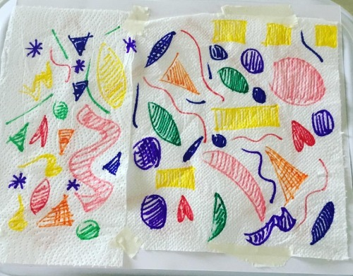 Come fare un quadretto di San Valentino - disegna sulla carta assorbente